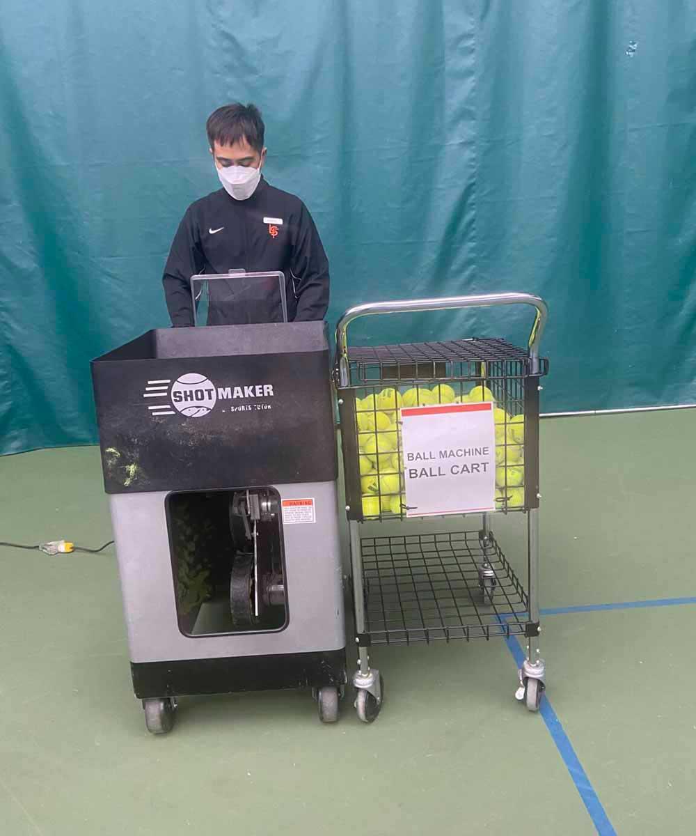 Coach-Ramon-with-ball-machine