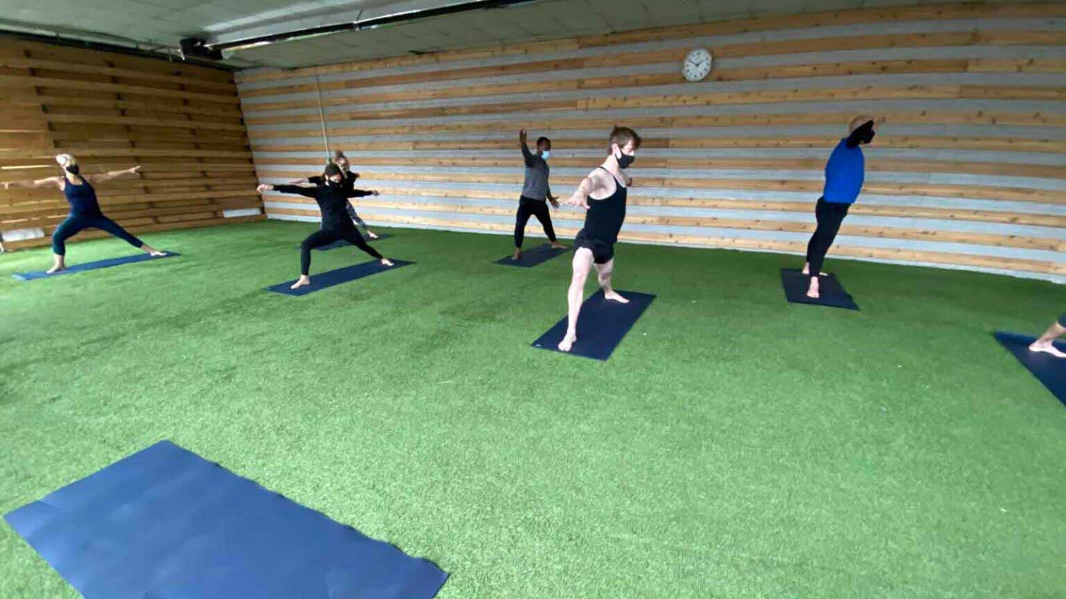 chicago-yoga-classes-at-Lakeshore-Sport-Fitness-1-1536x864
